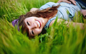 Happy-Girl-In-The-Grass-HD-Wallpapers